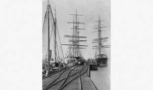 Grain vessels loading at the Port Augusta Wharf 1904.